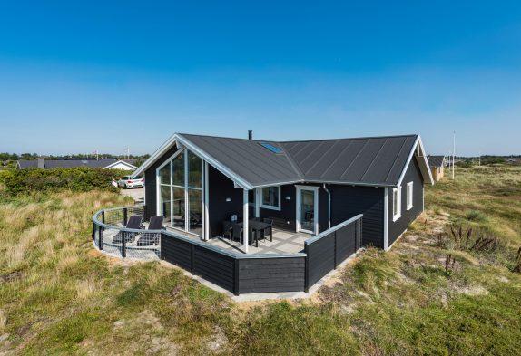 Ferienhaus mit Aktivitätsraum und eingezäunter Terrasse