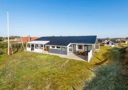 Hyggeligt sommerhus i Søndervig få minutter fra hav og by