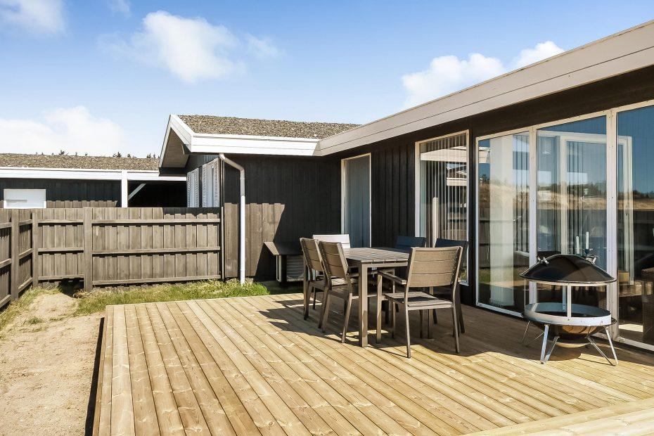 ferienhaus mit tollem garten wintergarten und internet esmark. Black Bedroom Furniture Sets. Home Design Ideas