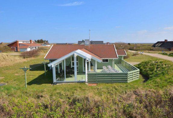 Skønt feriehus med delvis overdækket terrasse