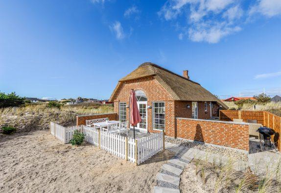 Reetgedecktes Ferienhaus für 4 in Søndervig nahe Strand und Stadt
