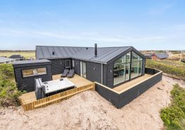 Schickes total renoviertes Ferienhaus mit Sauna, Whirlpool  Meeresblick und Fjordaussicht