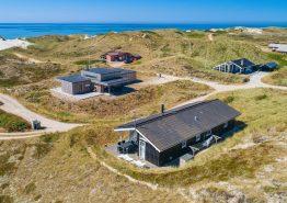 Herrliches Ferienhaus mit Wellness, strandnaher Lage und Meeresblick (Bild 1)