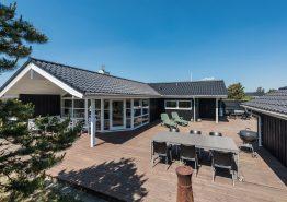 Kvalitetshus med skøn terrasse og god spa i Søndervig