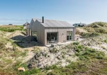 Rummeligt feriehus med god beliggenhed tæt på stranden
