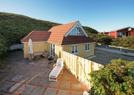 Ferienhaus m. schöner Terrasse und eigenem Strandzugang. Kat. nr.:  i6536, Lodbergsvej 35