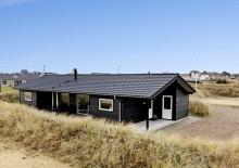 Dejligt sommerhus med sauna tæt på stranden