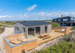Modernes Zweistöckiges Ferienhaus im Herzen von Søndervig mit Sauna 150 Meter Strandentfernung (Bild 1)