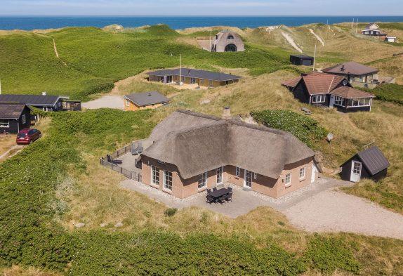 Smukt luksusferiehus kun 150 m fra stranden i Søndervig