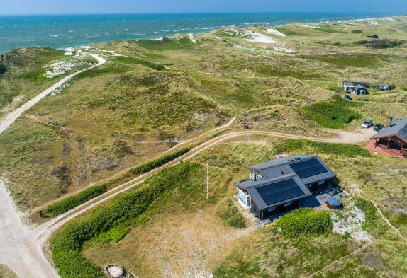 Skønt feriehus med sauna kun 200 meter fra stranden