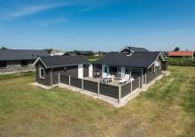 Sommerhus med en skøn lukket terrasse tæt på Søndervig