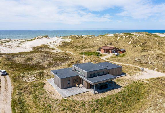 5-stjernet sommerhus med skøn beliggenhed og sauna