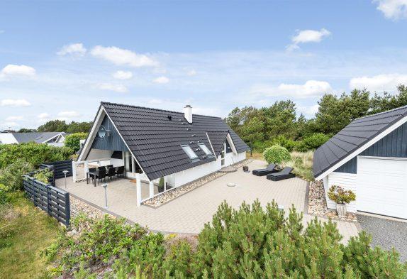 Stilvolles, renoviertes Nichtraucherhaus, Whirlpool, Kickertisch, 2 Hunde