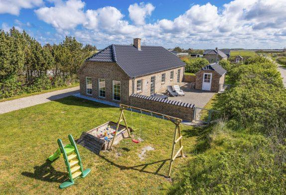 Schönes und helles Ferienhaus nahe bei Søndervig