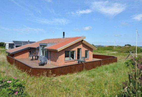Hyggeligt ikke-ryger-hus med god lukket terrasse