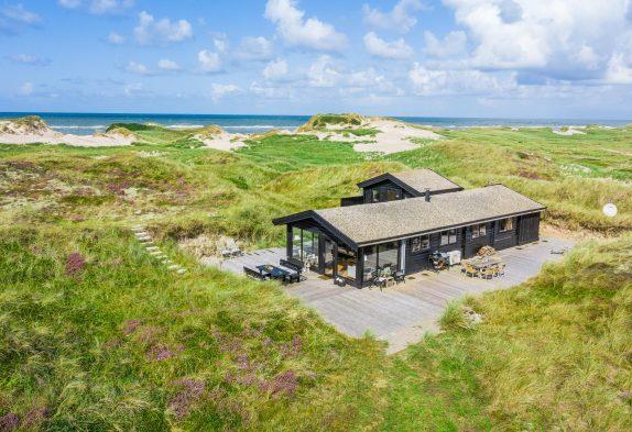 Wunderschönes Blockhaus mit Meerblick, nur 50 Meter zum Strand