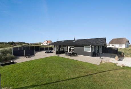 Lækkert sommerhus i Søndervig med sauna og boblebad