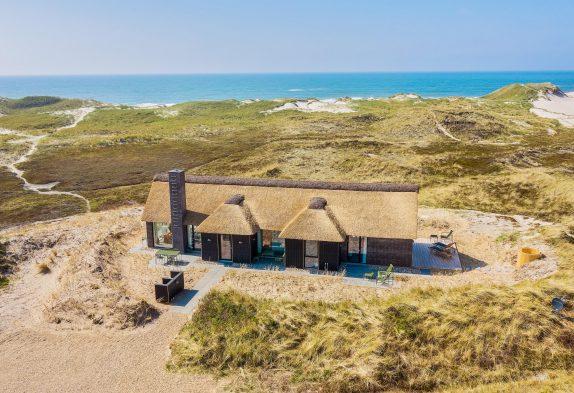 Einzigartiges Ferienhaus mit Sauna und Aussicht in 1. Dünenreihe