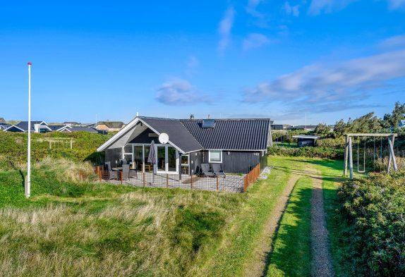 Ferienhaus mit Carport und strandnah in Søndervig