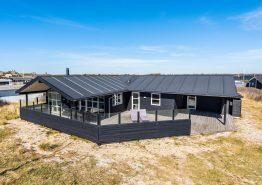 Sommerhus i Søndervig tæt på centrum og kun 200m fra stranden. Kat. nr.: i6885, Hafavej 12;