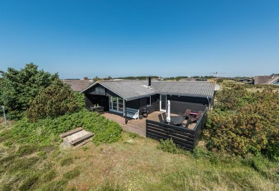 Ferienhaus mit Holzofen & Terrasse auf Naturgrundstück