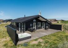 Kvalitetshus med lukket terrasse og udespa