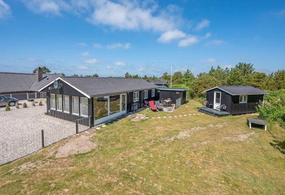 Ferienhaus für 4 in Søndervig mit Holzofen und Wintergarten