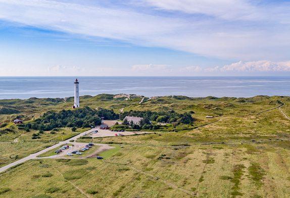 Leuchtturm Lyngvig Fyr an der Nordsee in Dänemark