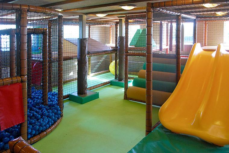Inbdoor Spielland im Adventure Park