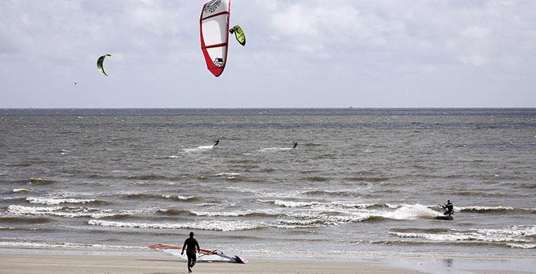 Nyd de gode strande i Blåvand med sommerhusudlejning fra Esmark