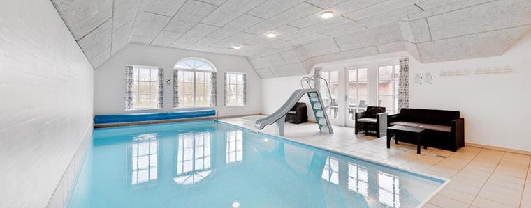 Grosses Ferienhaus mit Pool für viele Personen in Dänemark
