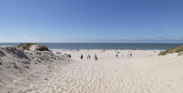 Lej et feriehus og vær tæt på smukke strandområder